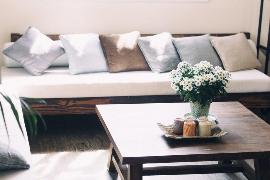 Den Wohnraum verschönern – 3 Modernisierungstipps für wenig Geld